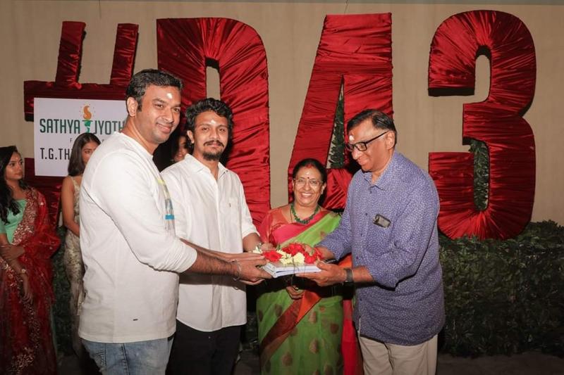 Vivek, writing the additional screenplay in Dhanush movie