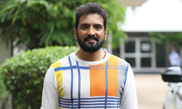 Santhanam leads the remake of 'Agent Sai Srinivasa Athreya'